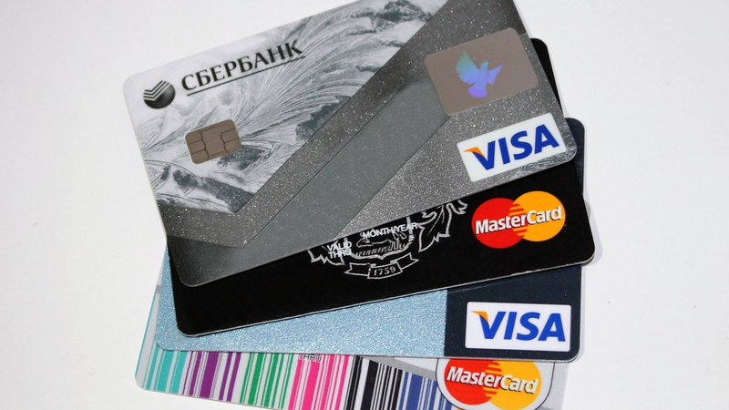 Business prepaid debit card advantage of using emburse over advantages colourmoves